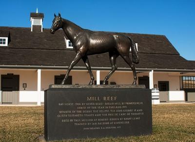 Mill Reef Statue
